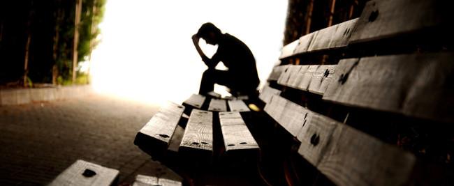 Tại sao con người lại có suy nghĩ tự tử?
